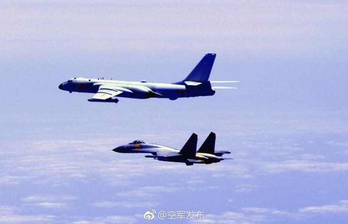 """检验实战能力!中国空军多型战机连续""""绕岛巡航""""(多图)"""