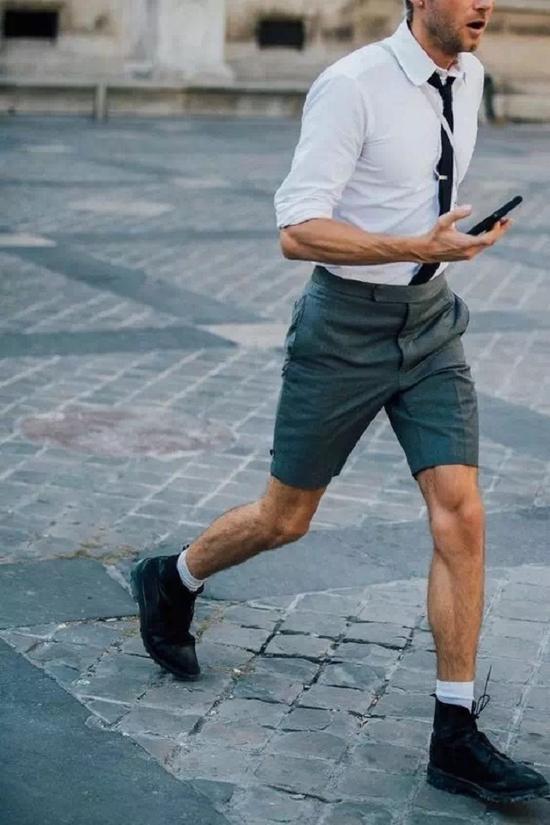 为什么街上男人们的短裤都那么辣眼睛?