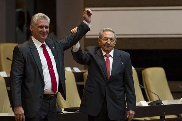 迪亚斯-卡内尔当选古巴国务委员会主席
