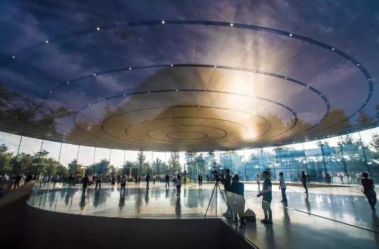 安保升级 是时候和苹果新园区无人机航拍视频说再见