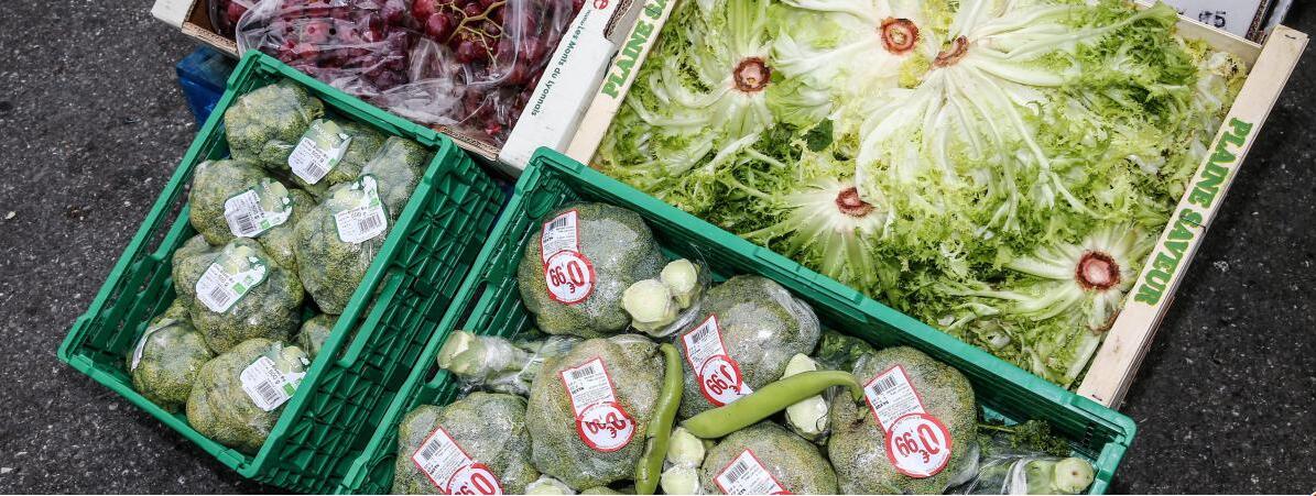美国人每天浪费15万吨食物 果蔬丢弃最多
