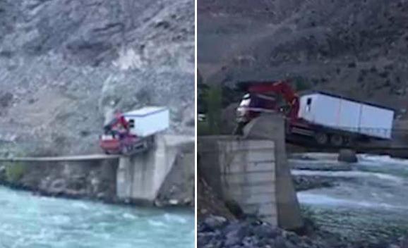 厉害!卡车司机载移动房屋通过与车身等宽窄桥