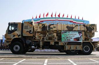 不惧导弹袭击!伊朗举行盛大阅兵亮出反导系统