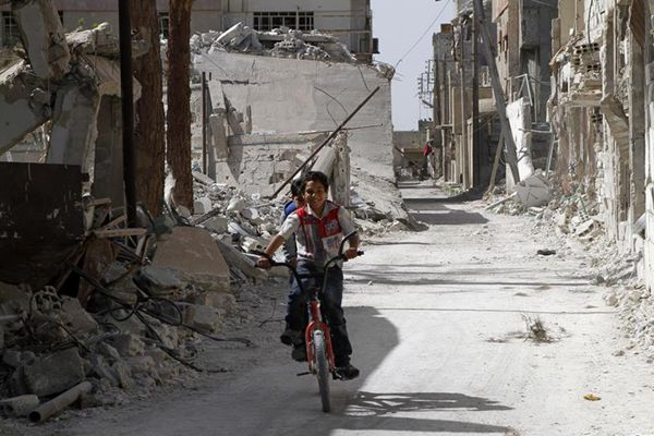 """走进""""化武疑云""""笼罩下的叙利亚小镇杜马(图)"""