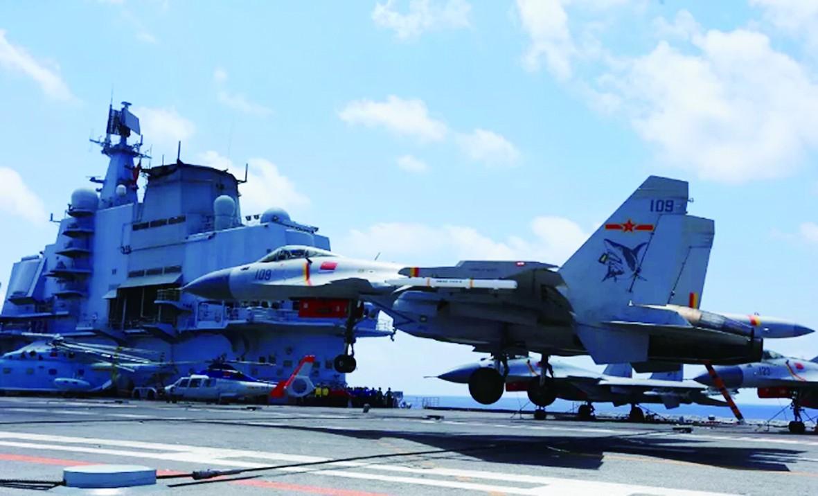 专家:中国面临用好歼15同时加快研制隐形舰载机迫切要求