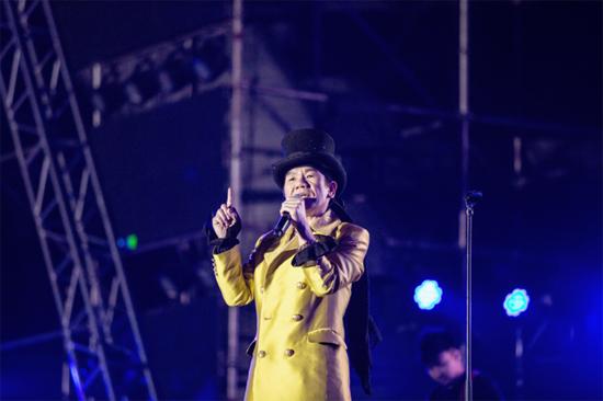 赵传时隔四年再次潍坊开唱 经典传奇引歌迷热捧