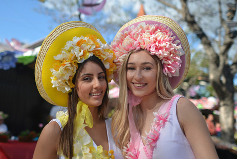 葡萄牙鲜花节花车游行 少女翩翩起舞