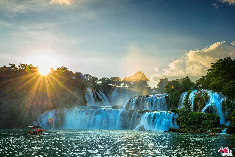 花千骨的长留仙境 最美跨国瀑布—德天瀑布