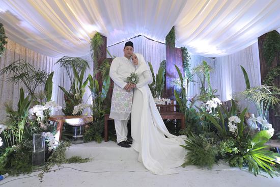 歌手茜拉家乡大婚 亲自设计婚礼主题创意多