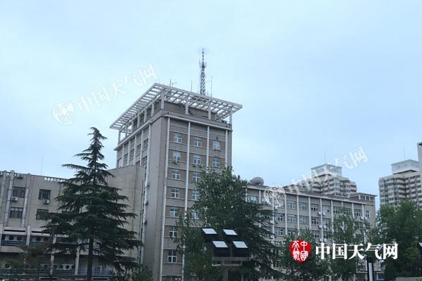 北京山区今仍有零星小雨 明日太阳露面周末将达28℃