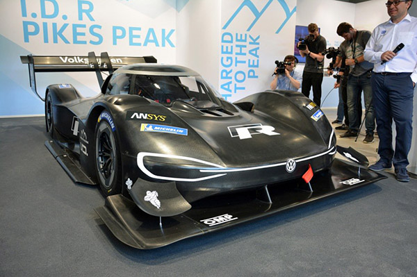 大众I.D. R纯电动赛车发布 比Formula 1更快!