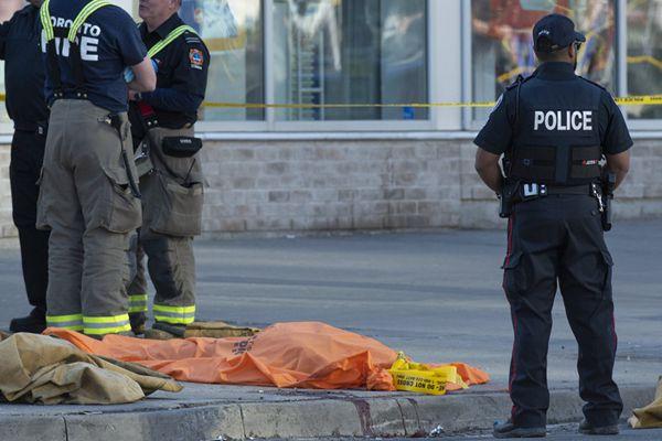 加拿大多伦多发生汽车撞人事件 已致10死15人受伤