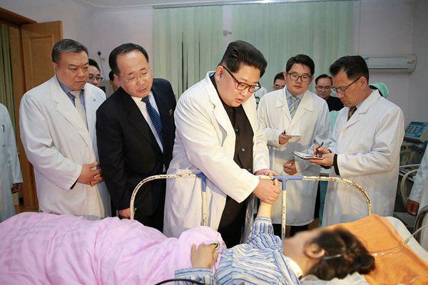 中国游客遭遇重大伤亡事故 金正恩赴医院探望