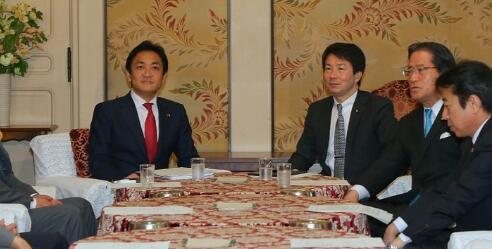 """日本希望之党与民进党拟合并组建为""""国民党"""""""