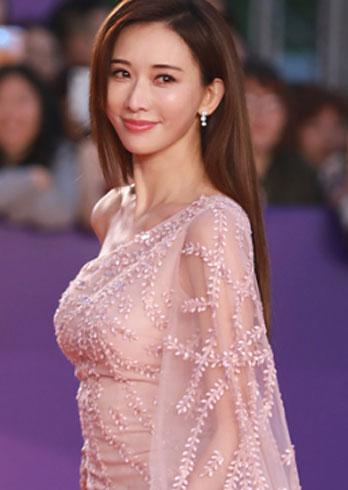 林志玲走红毯上最爱的薄纱裙?