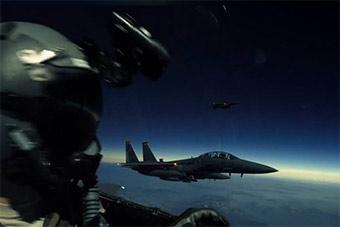 城会玩!美媒曝光美3架F15曾成功追逐日食3分钟