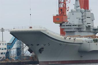 国产航母小幅度活动 甲板倾斜试验可能性高