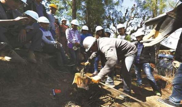 尼泊尔大地震3周年 专家批评重建成效不彰