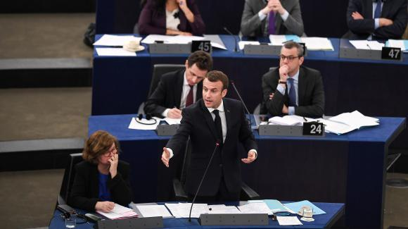 法国民调:马克龙支持率小幅上升 欧洲议会演讲效果有限