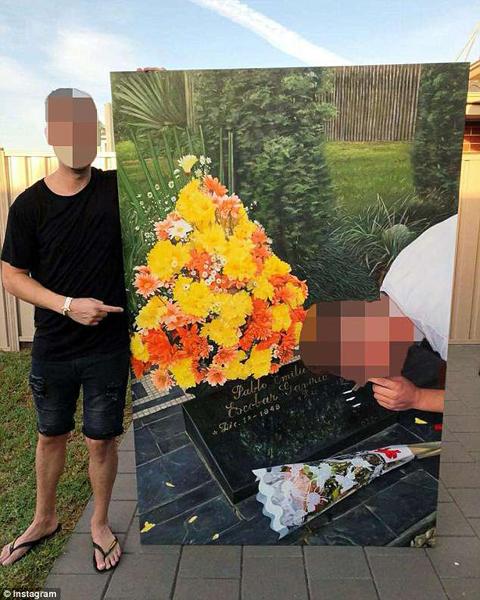 """哥伦比亚毒枭墓地成""""旅游胜地"""" 游客墓前吸毒向其致敬"""