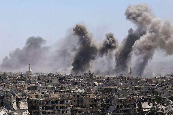"""叙利亚政府军对""""伊斯兰国""""发动炮击"""