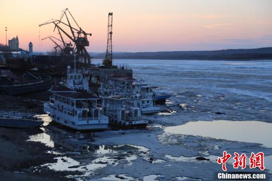 中俄界江黑龙江黑河江段全面融化 即将开江