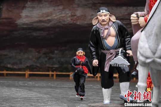 湖南村民cosplay西游记丰富文化生活