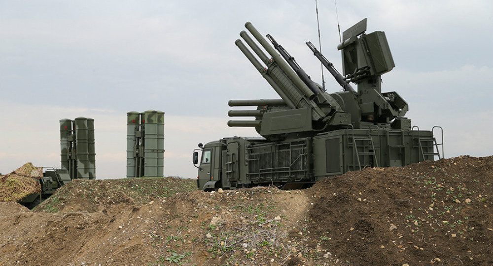 俄在叙利亚空军基地险遭袭 俄防空系统全部拦截