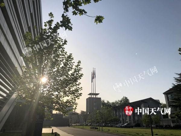 月底前北京早晚气温持续回升最高达29℃ 外出需防晒
