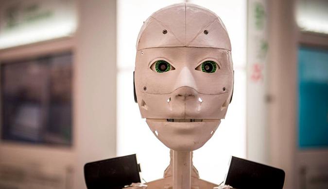 汉诺威机器人展举行 各类机器人亮相造型逼真