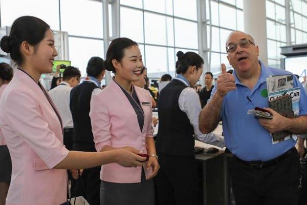 """广州白云机场2号航站楼""""开门迎客"""""""