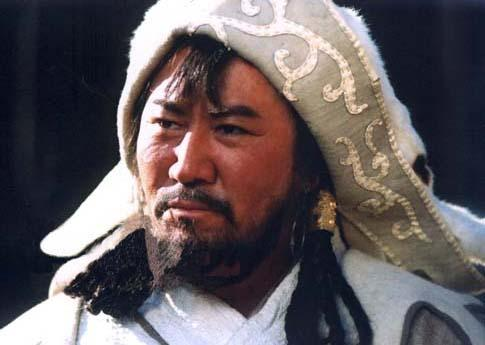 他是成吉思汗的后代,因演成吉思汗才出名,妻子的身份让人尊敬!