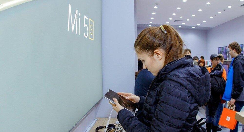 俄媒:小米智能手机在俄线上销量赶超苹果