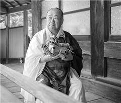 日本兴福寺为电子宠物狗举行特殊葬礼