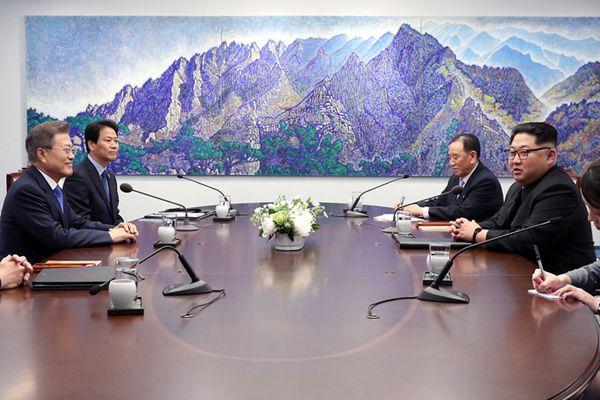 朝韩首脑正式举行会谈 持续进行100分钟