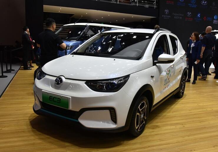 【2018北京车展】北汽新能源EC3正式亮相