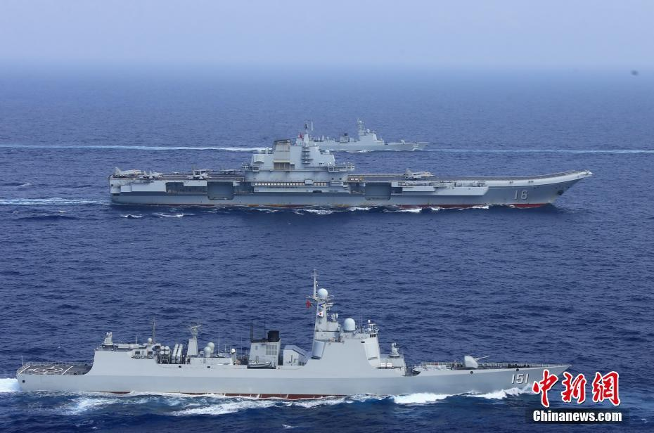 中国海军航母编队完成远海实兵对抗训练返航