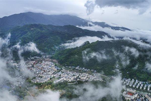 震后十年新青川:城在景中 景在城中