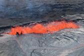夏威夷基拉韦厄火山岩浆涌动场面壮观