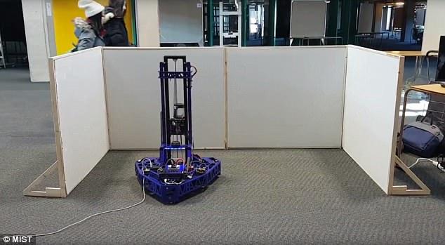 加拿大大学生设计出全自动刷墙机器人Maverick
