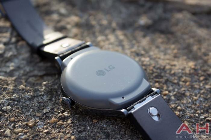 LG Watch Timepiece曝光:石英表外观 搭载Wear OS