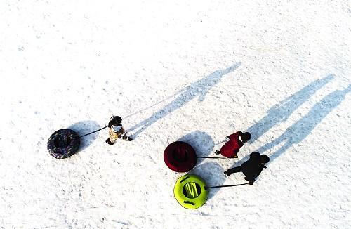 中国滑雪爱好者为何爱去日本?港媒:国内不好玩
