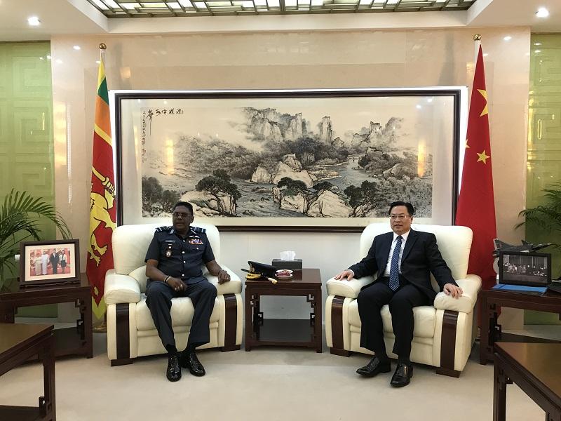斯里兰卡空军司令获中国国防大学硕士学位 我大使颁证书
