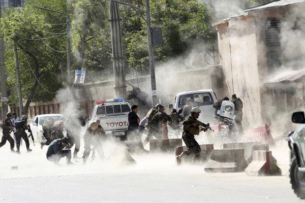 阿富汗喀布尔发生爆炸 致21人死亡含多名记者