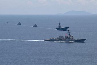 美泰海军演习:中国造护卫舰对上美军驱逐舰