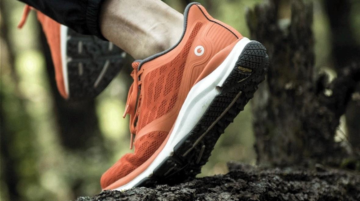 小米发布新款智能运动鞋 可计算步数和卡路里