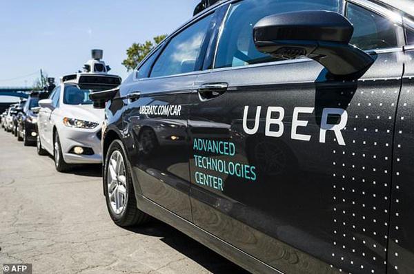 美国防部参与无人驾驶车竞赛 称将完胜特斯拉/优步
