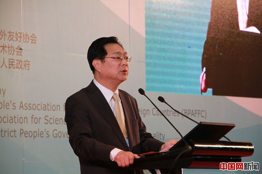 谢元:用民间友好交流架设城市合作发展的桥梁