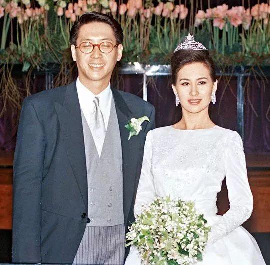 婚礼2000万,嫁妆超10亿……可她的人生,绝不止于赌王女儿