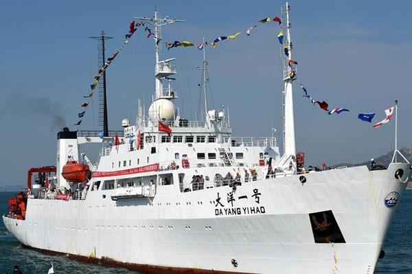 """""""大洋一号""""完成潜水器海试任务返回青岛"""